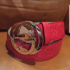 Accessories - Gucci red leather gold buckle - NO BOX